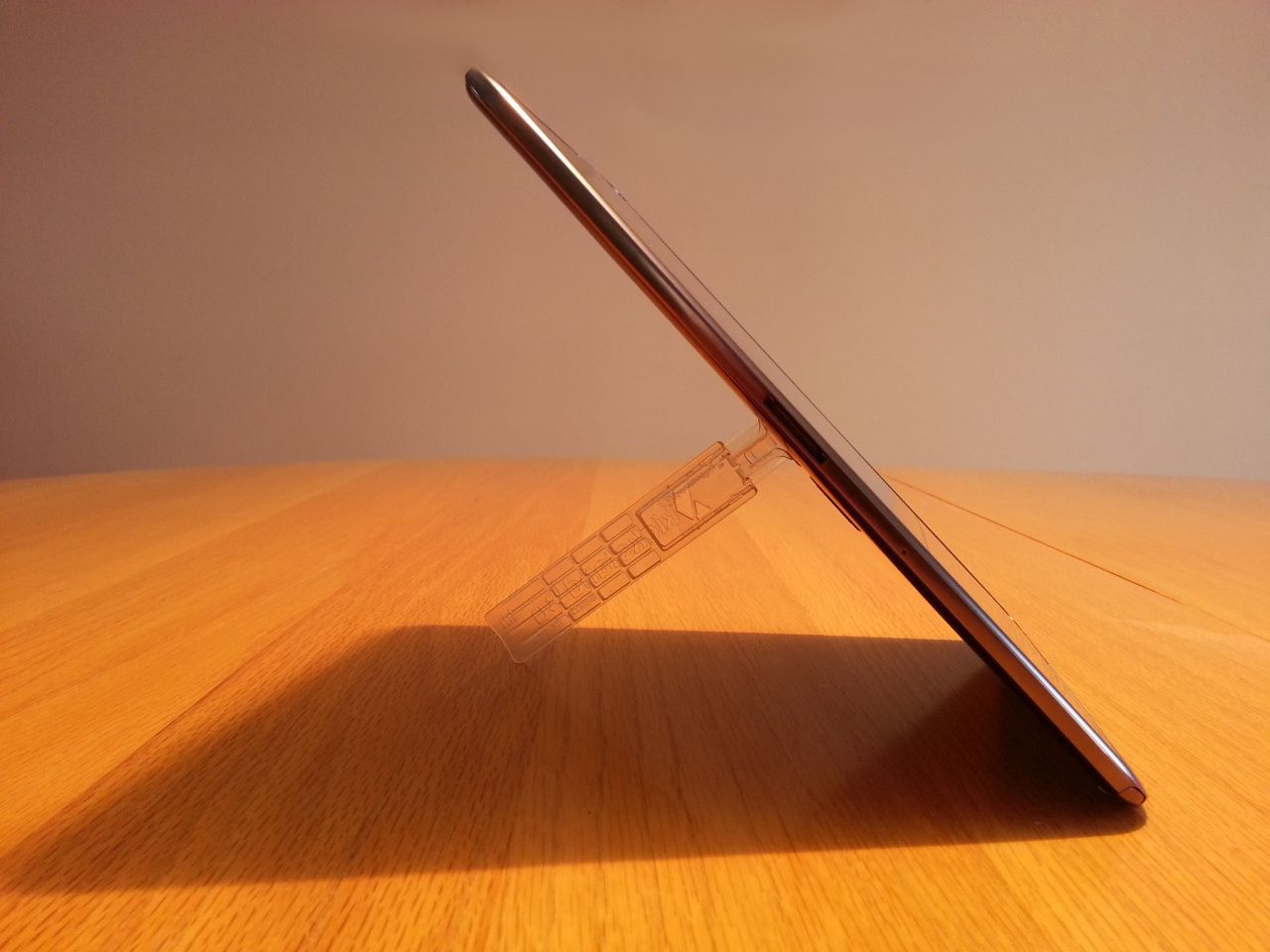Tablet Extender Sideview Portrait